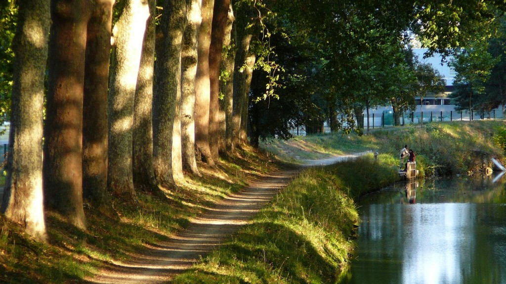 canal du midi à proximité du quartier Matabiau à Toulouse