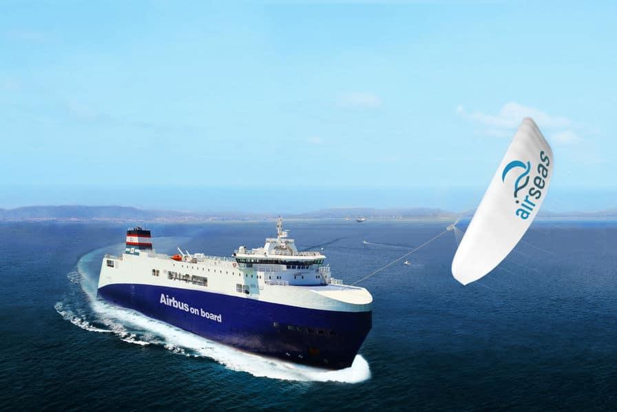 L'aile géante AirSeas tracte un bateau Airbus