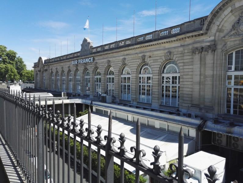 Esplanade des invalides de Paris
